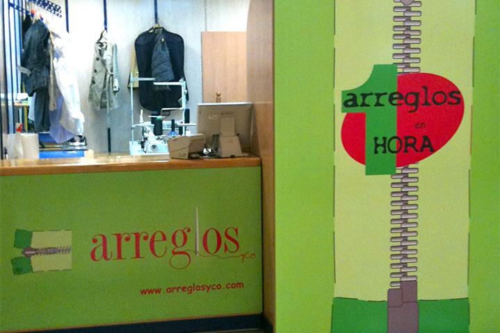 ARREGLOS & CO